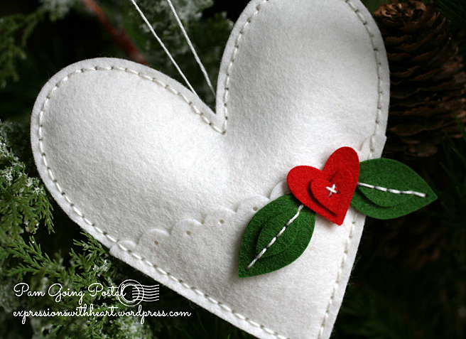 Pam Sparks Plush Heart Pocket White felt Close